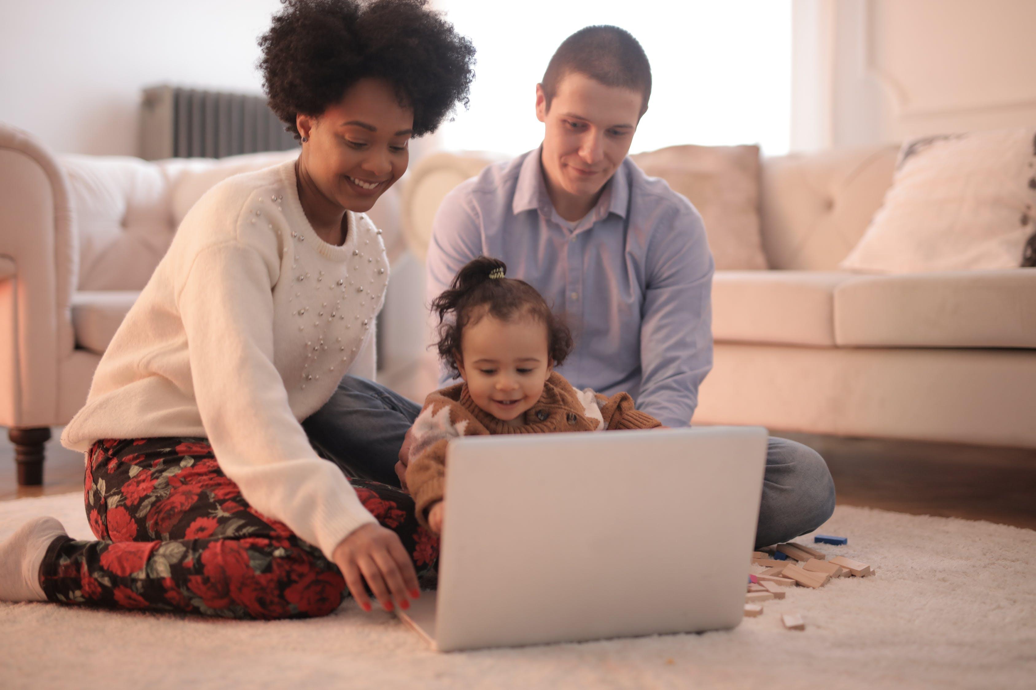 dítě s rodiči