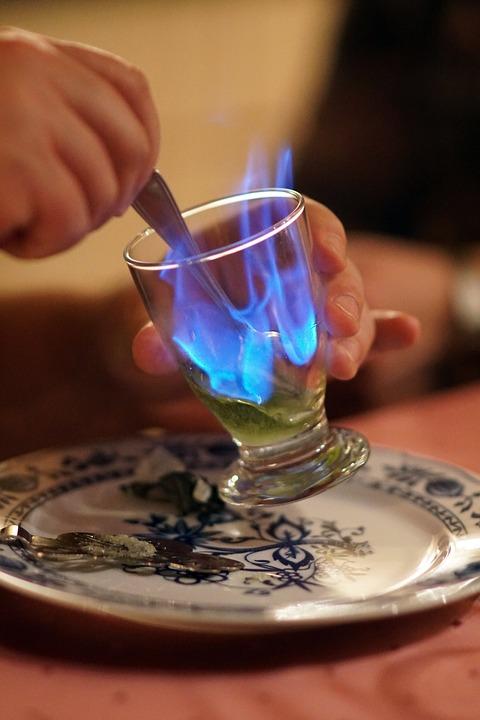 hořící absinthe
