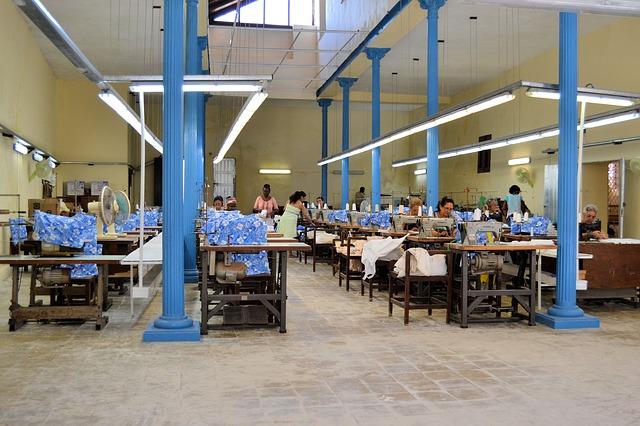 šicí továrna.jpg