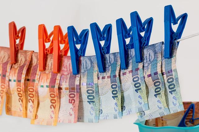 pověšené peníze